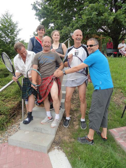 Die Schottenrockfraktion - Was trägt der Schotte unter dem Rock?