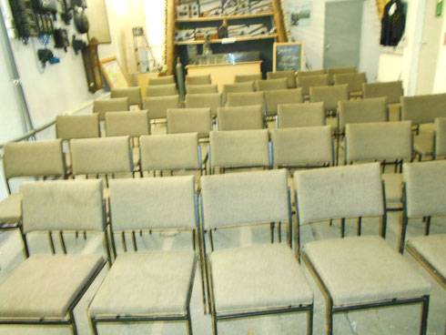 Ca. 40 Personen können nun Platz nehmen, um etwas über unser Tun und den Werdegang der Steinkohle zu erfahren