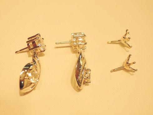 ダイヤモンドの留め方に気を使ったジュエリーリフォーム。写真右のシンプルなピアスからダイヤを移し、豪華なピアスへ大変身