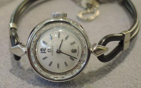 文字盤再生(リダン)修理されたオメガのアンティーク腕時計