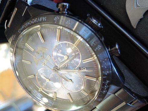 セイコーワイアード国内1300本限定「バットマン VS スーパーマン」映画コラボレーション腕時計(AGAT708)