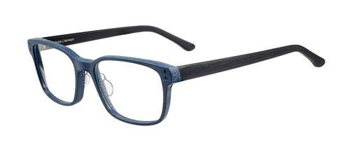 自然をモチーフにした、あたたかみのあるデザイン。シンプルながら、北欧らしいデザインがぎゅっとつまった魅力のメガネ