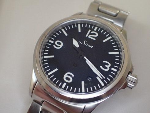 Sinnの自動巻き腕時計の分解掃除が完了しました