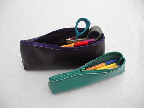 Trousses en cuir, grand (22*9 cm) et moyen (20*6 cm) modèle, 19 et 14 euros.