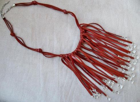 collier cuir et perles de verre