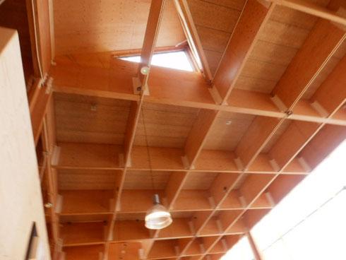 耐力壁のような天井