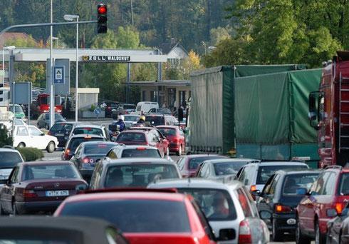 Gute Öko-Bilanz der schweizerischen Einkaufstouristen am Grenzübergang Waldshut-Koblenz
