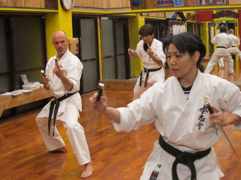 Beim Kobudo Training in Okinawa, 2011