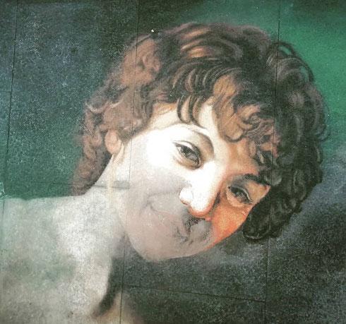 Dal marchese Giustiniani a Berlino e ritorno: il Cupido impertinente di Caravaggio è stato avvistato questa mattina su via del Corso