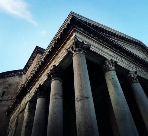 Grandi classici del giovedì...il Pantheon è sempre irresistibile, da ogni angolazione