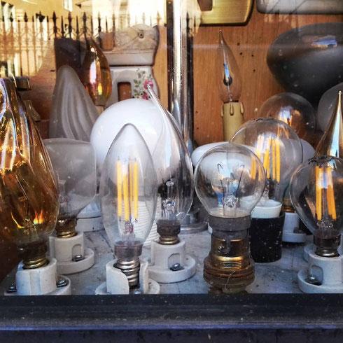 La Bottega Elettrica di via dei Serpenti vi farà accendere la lampadina...e se non sarà un'idea magnifica, almeno ci sarà luce