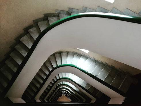 Se si guarda giù, meglio non soffrire di vertigini...
