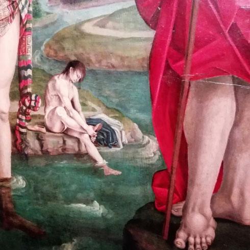 Come volevasi dimostrare...chi si toglie i calzari nel Battesimo di Cristo che Signorelli realizza nel 1508 se non uno Spinario moderno? Forte è per l'artista toscano l'influenza della scultura classica che ha modo di conoscere quando a Roma lavora per la cappella Sistina