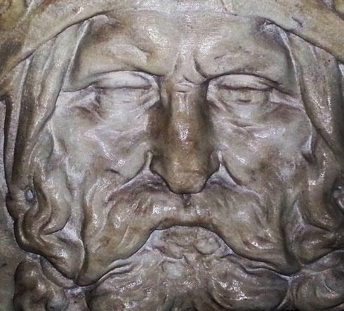 Leggenda vuole che il particolare del faccione della tomba di Cecchino Bracci all'Aracoeli sia in realtà un ritratto di Michelangelo, che progettò il monumento, lasciando l'esecuzione ad altri...la somiglianza in effetti c'è.