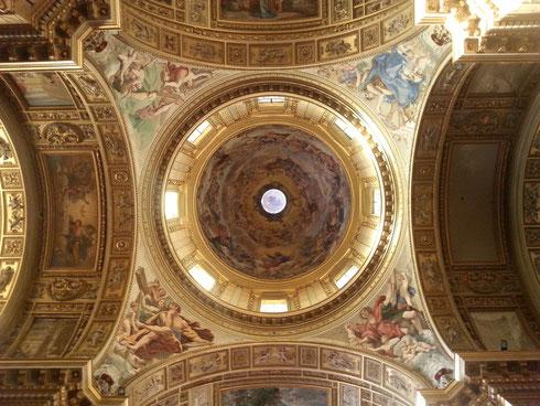 Non per vantarmi, ma la foto che ho fatto alla cupola di sant'Andrea della Valle mi piace proprio tanto...