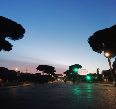 La mattina con un cielo così e il Colosseo sullo sfondo ha bisogno di pochi filtri