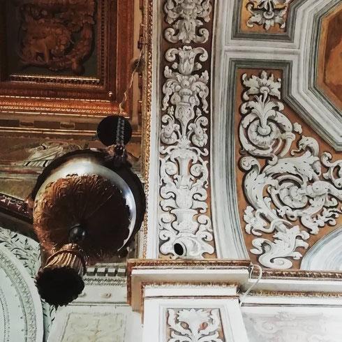 La basilica dei santi Cosma e Damiano ci ospita per questa settimana...giorno dopo giorno scopriremo i segreti di questo posto sospeso tra la città antica e quella moderna