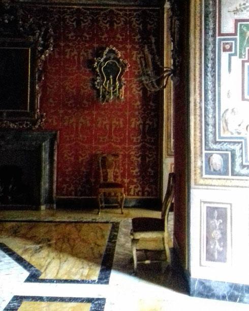 A palazzo Colonna ogni sala sembra celare un segreto, o aspettare qualcuno...