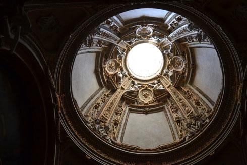 Si era capito che mi piace fotografare le cupole? Eccone un'altra, direttamente da san Pietro in Montorio, la chiesetta arrampicata sul Gianicolo