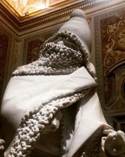 Ha aperto ieri alla galleria Borghese la mostra dedicata a Bernini; da oggi, e fino al prossimo mercoledì, il blog sarà tutto dedicato alle sue fantastiche opere...e a quelle del padre Pietro, autore, assieme al figlio, di questo freddolosissimo inverno