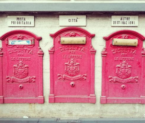 La comunicazione avviene quando, oltre al messaggio, passa anche un supplemento di anima (Henri Bergson a piazza San Silvestro)