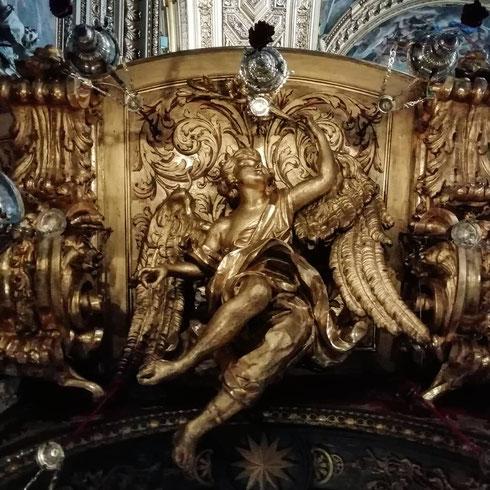 Alla Chiesa Nuova gli angeli volano dappertutto