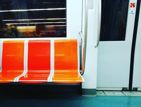 Il sogno del pendolare...il lunedì mattina è più dolce se la metro è mezza vuota