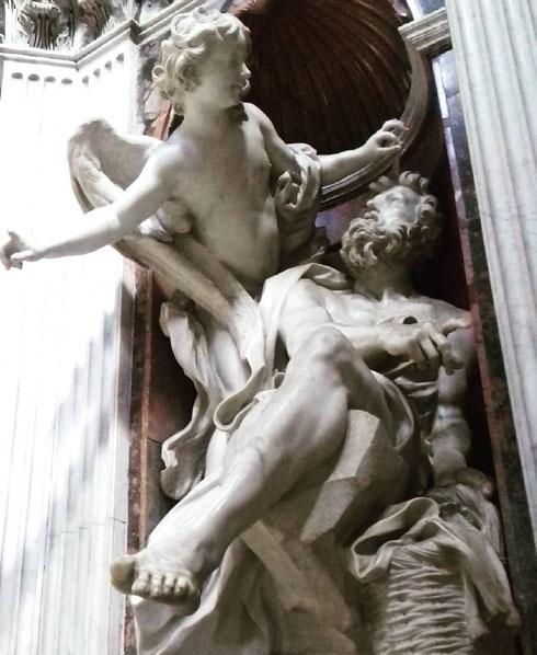 Alla metà del '600 Gian Lorenzo Bernini lavora alla cappella Chigi, realizzando anche la scultura di Abacuc e l'angelo...il gruppo è anche protagonista di Angeli e demoni di Dan Brown, ma questa è un'altra storia...
