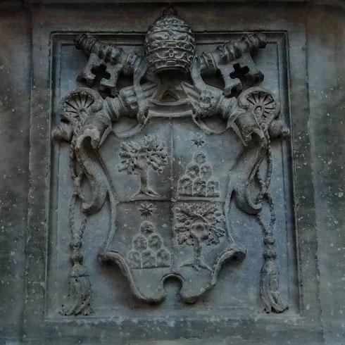 Chi indovina dov'è questo stemma, e a quale papa appartiene? Domani la soluzione...