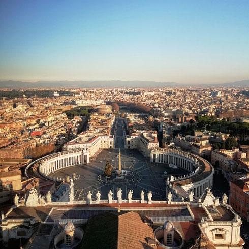 Cambiare prospettive...dall'alto della cupola è bello riconoscere le strade, le case e le piazze giù in città
