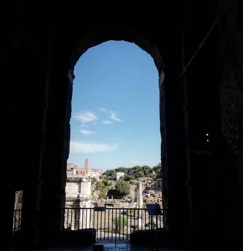 Il panorama migliore del foro romano è forse quello che si gode dal Tabularium, nel passaggio che unisce il palazzo dei Conservatori al palazzo Nuovo