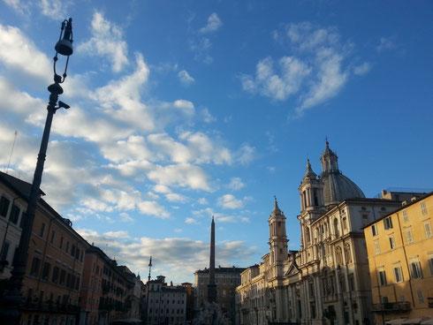 Ma quanto cielo c'è sopra piazza Navona? Buona giornata