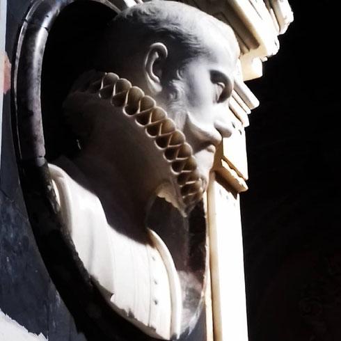 Santa Maria del Popolo è la protagonista della settimana: secondo le leggenda la chiesa sarebbe stata costruita da papa Pasquale II sul luogo della tomba dei Domizi Enobarbi, famiglia alla quale apparteneva lo stesso Nerone