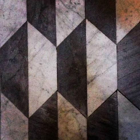 L'optical non passa mai di moda...devono averlo pensato anche disegnando il pavimento della basilica di san Marco a piazza Venezia