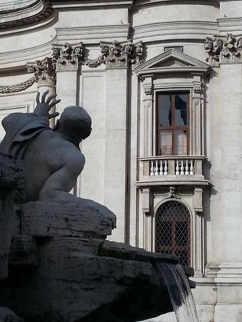 A questo punto direte: ma sempre 'sto Bernini e 'sta fontana? Eh sì, sempre lui...non se ne può fare a meno...