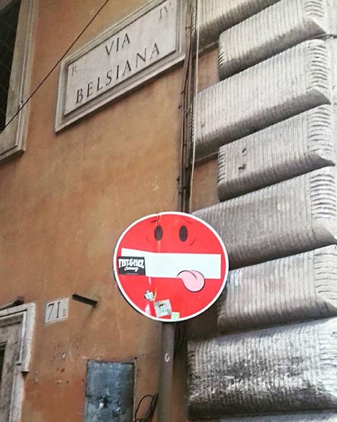 Segnali golosi all'angolo di via Belsiana