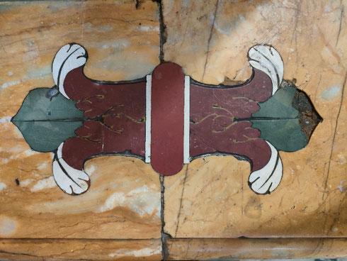 Ricami di marmo quasi perfetti, nonostante il passare del tempo, a santa Maria della Pace