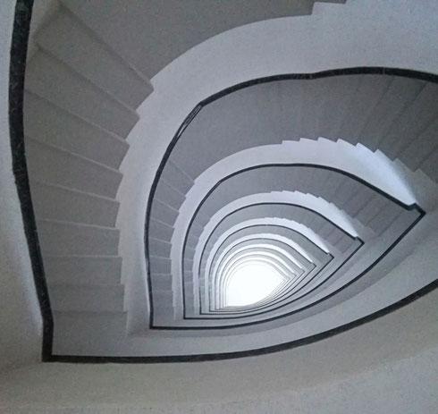 Certe case mettono voglia di viverci solo a guardare su per le scale