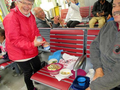Souvenir de notre traversée de Paris... Pause déjeuner à la gare de l'est