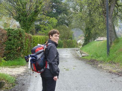 2012... Quelques kilomètres après Genève... Je pars pour Saint Jean Pied de Port ... 1100 km à parcourir, le sourire aux lèvres
