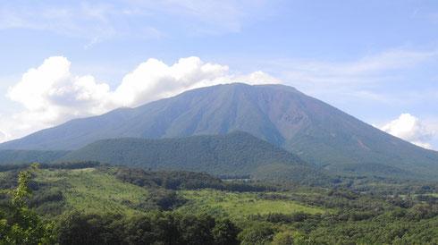 ここからの眺めは岩手山・鞍掛山を望む好きな場所のひとつです