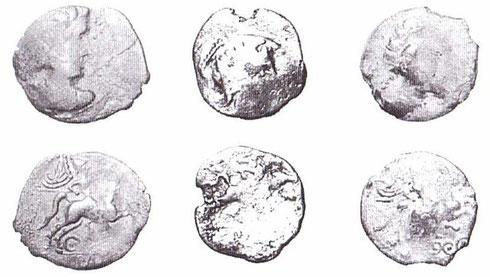 Monnaies type LT XII, 3894, CICIIDV BRI/IIPAD Retrouvées à Alise-Sainte-Reine, la plupart des pièces retrouvées sont dans un état plus ou moins similaire. Crédit: K. Gruel, L. Popovitch