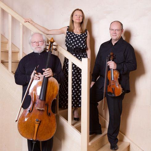 trio boheme trio piano violon violoncelle tchaikovski piazzolla cd calliope jasmina kulaglich igor kiritchenko lev maslovsky concerts musique de chambre belgrade serbie russie ukraine