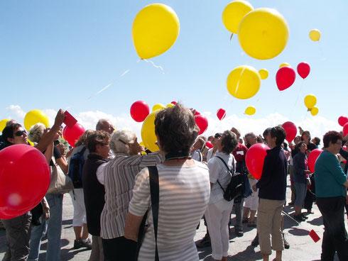 Fliegende Nachrichtenballons