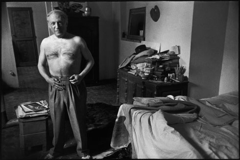 FRANCE. Paris. 6th arrondissement. Rue des Grands Augustins. Spanish painter and sculptor Pablo PICASSO at his home. 1944