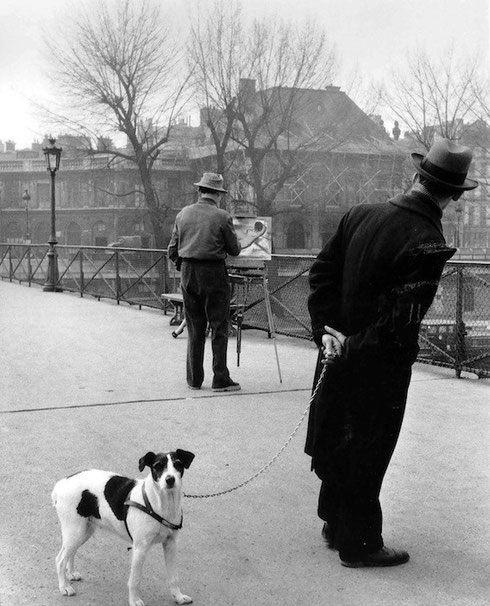 Fox-terrier sul Pont des Arts, Parigi 1953