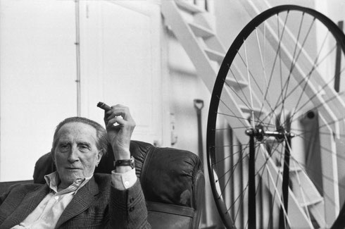 FRANCE. Hauts-de-Seine. Neuilly-sur-Seine. French artist Marcel DUCHAMP in his studio. 1968
