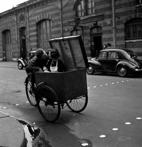 Le Baiser Blotto, 1950