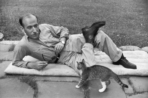 USA. Vermont. 1947. US draughtsman, Saul STEINBERG