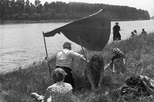 FRANCE. Essonne. 1955. The Seine near Juvisy-sur-Orge